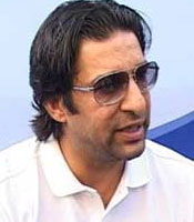 Wasim Akram comments on MS Dhoni