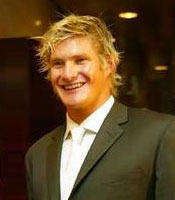 All-rounder Shane Watson will bat at no.3